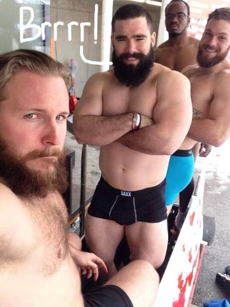 canadian-bobsled-team-posts-picture-in-their-underwear__oPt