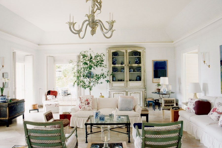 item11.rendition.slideshowHorizontal.bunny-mellon-design-archives-13-antigua-villa-living-room